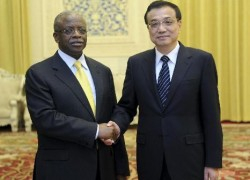 Mbabazi with Chinese Premier